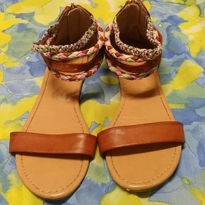 American eagle girls size 4.5 sandals
